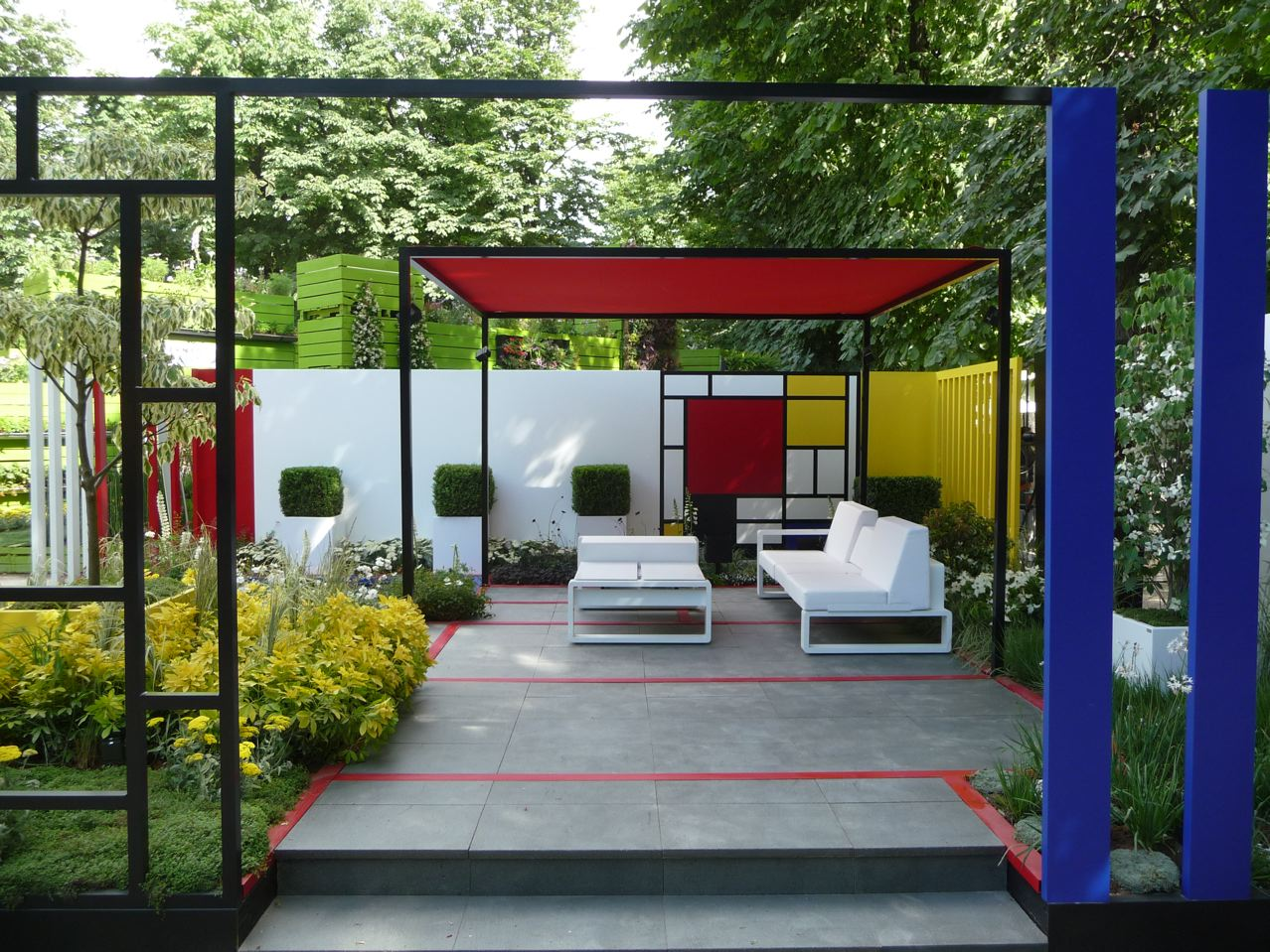 Mondrian-Garden.jpg