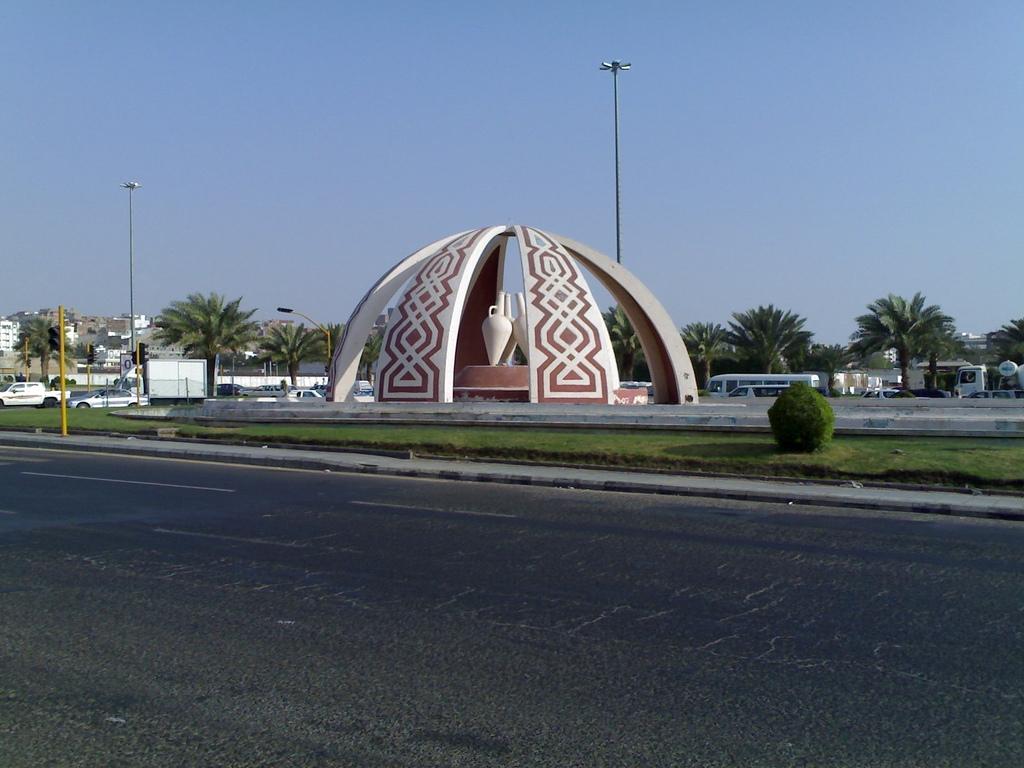 Monument in Makkah - Saudi Arabia.jpg