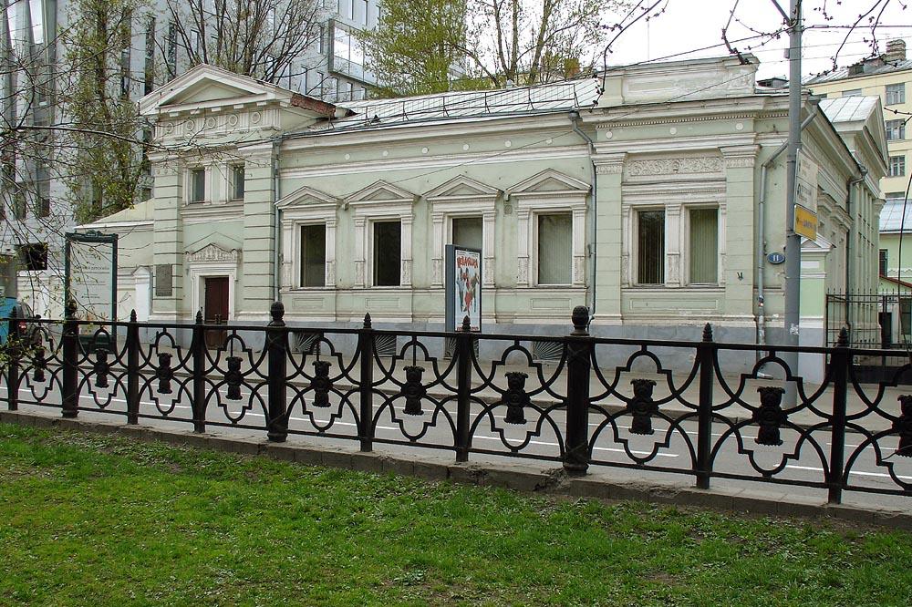 Moscow,_Strastnoy_Boulevard_11 1890t.jpg