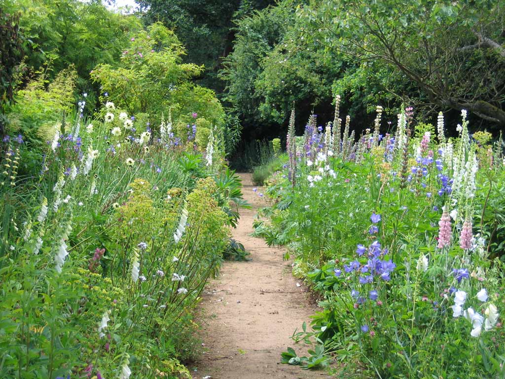 munstead_wood_garden_original.jpg