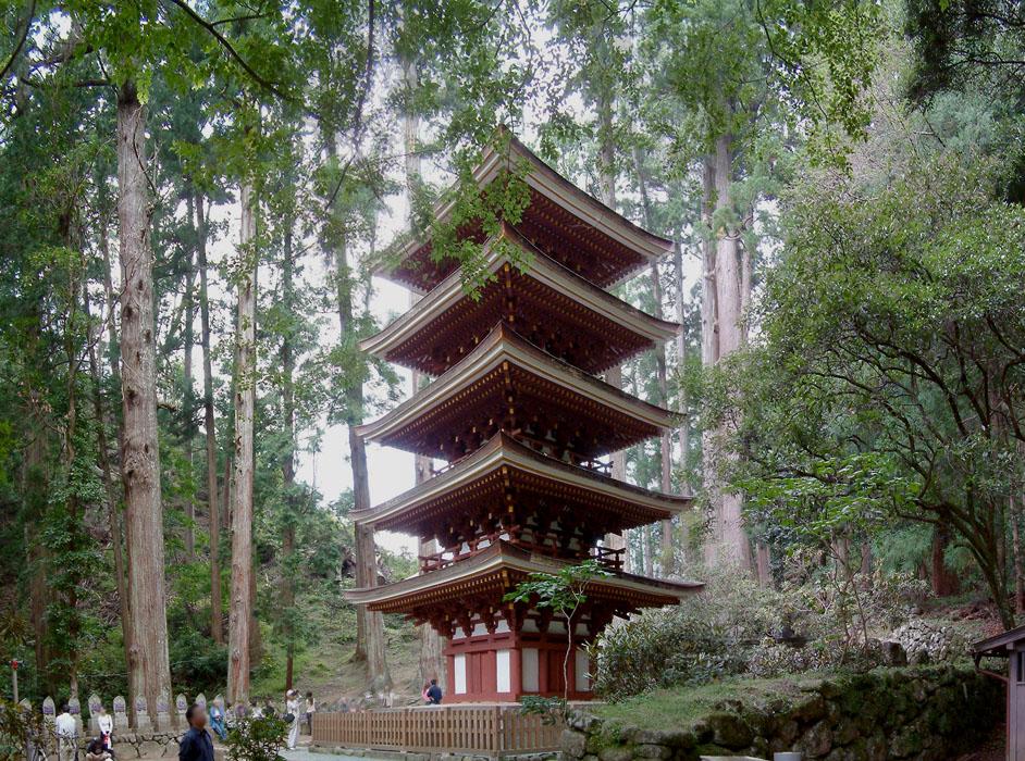 Murouji_temple,室生寺_五重塔_-_panoramio.jpg