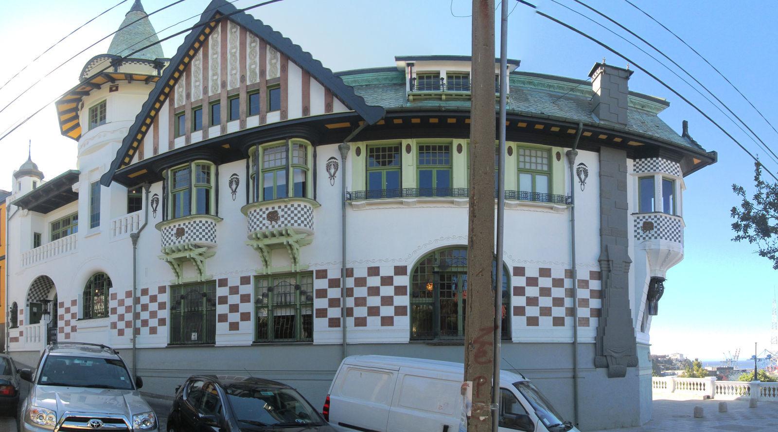 Museo_de_bellas_artes_Valparaíso.jpg
