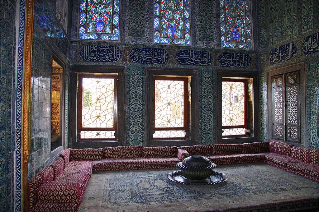 museum_of_topkapi_palace_istanbul.jpg