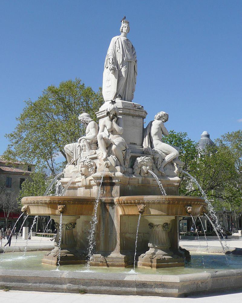 Nîmes,esplanade_Charles_De_Gaulle,fontaine_Pradier2.jpg