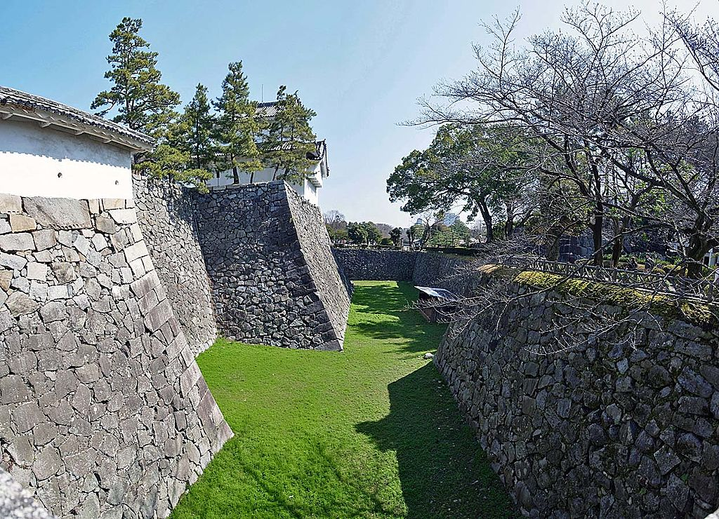 Nagoya_castle_,_名古屋城_-_panoramio_(6).jpg
