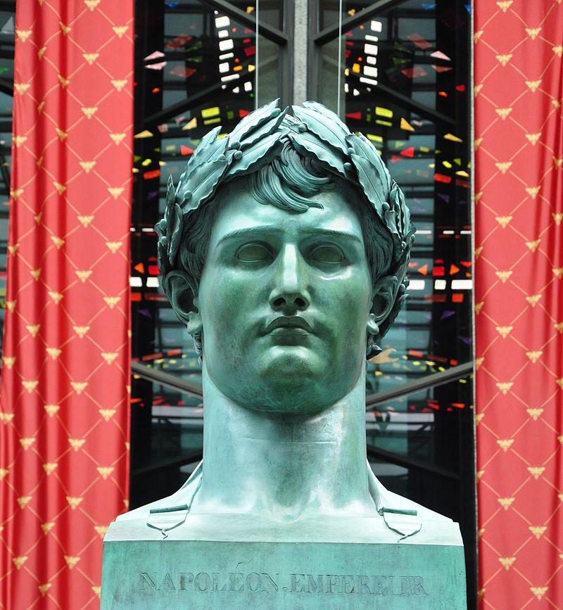 Napoleon_bronze_by_Lorenzo_Bartolini.JPG