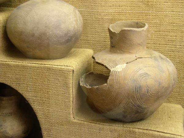 Natchez_pottery_HRoe_2004.jpg