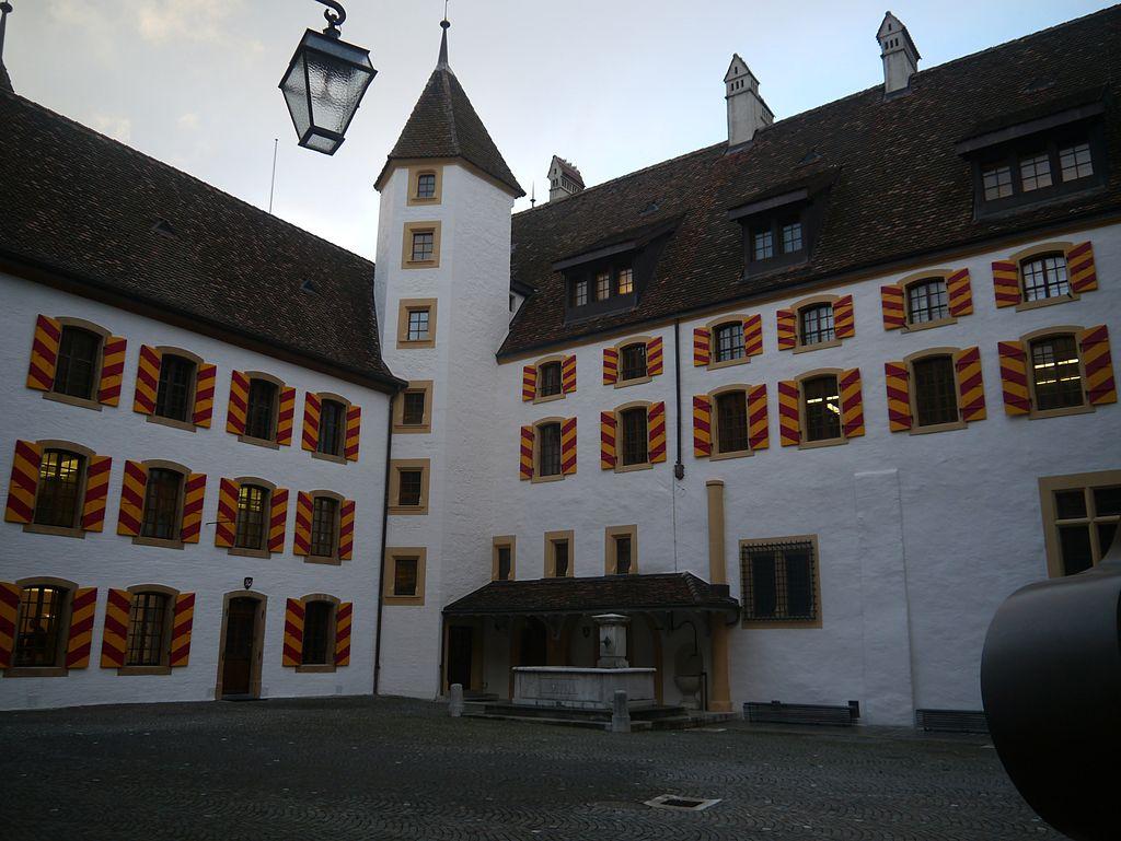 Neuchâtel_Kollegium_3.JPG