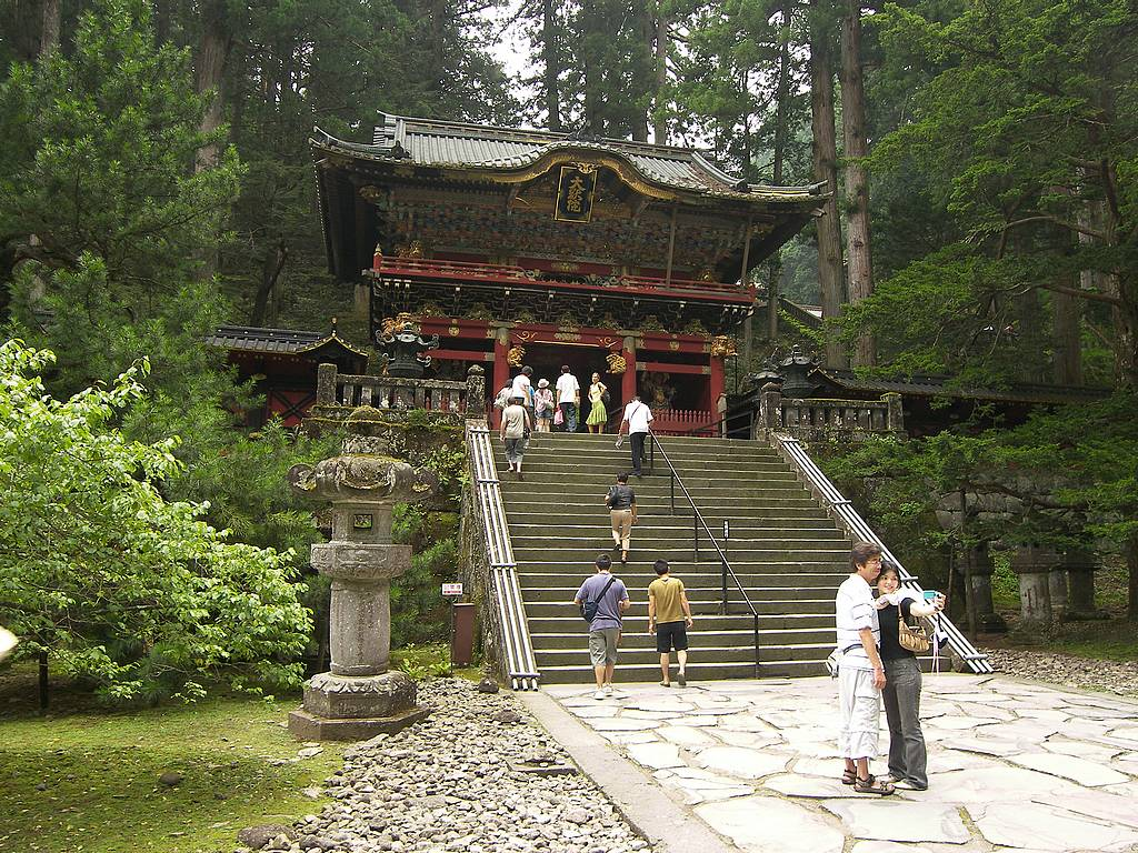 Nikko-Futurasan-Shrine-stairs.jpg
