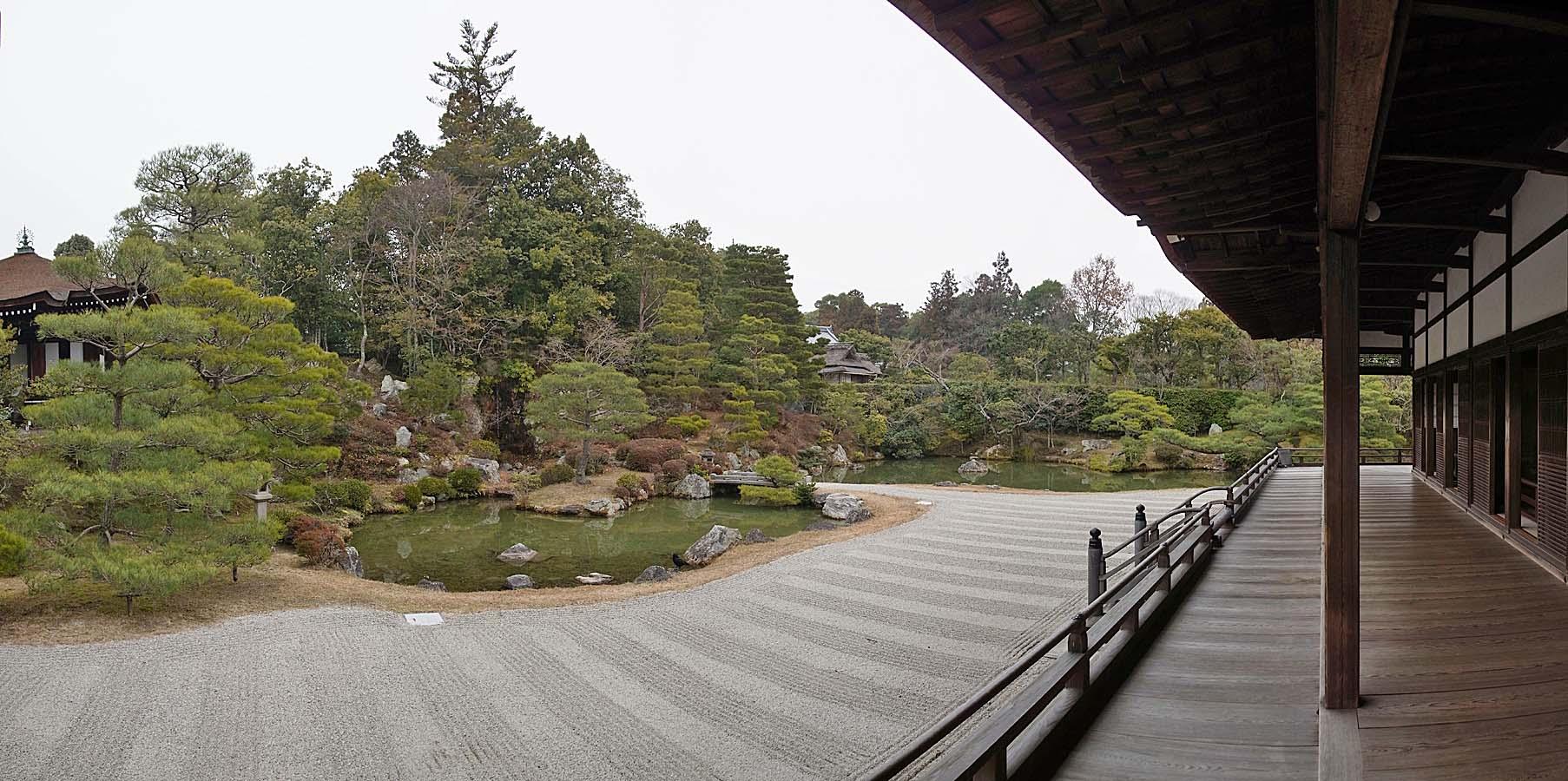 Ninna-ji_,_仁和寺_-_panoramio_(5).jpg