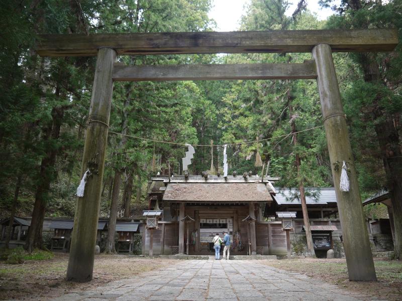 Nishina_shinmeigu_-_panoramio.jpg