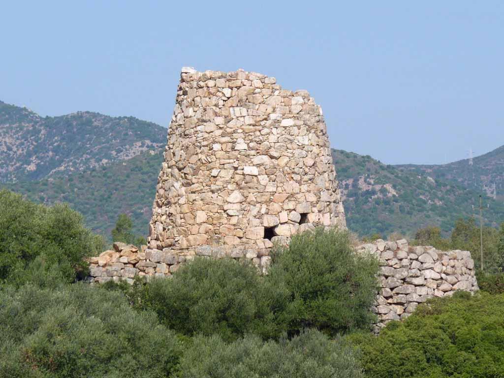 Nuraghi-Sardegna-Italy.jpg