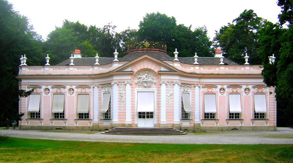 Nymphenburg_Amalienburg-1 1730-е рококо.jpg