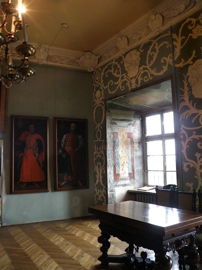 Olesko_Castle_-_MONUMENT_OF_POLISH_HISTORY_-_panoramio_-_MARELBU.jpg