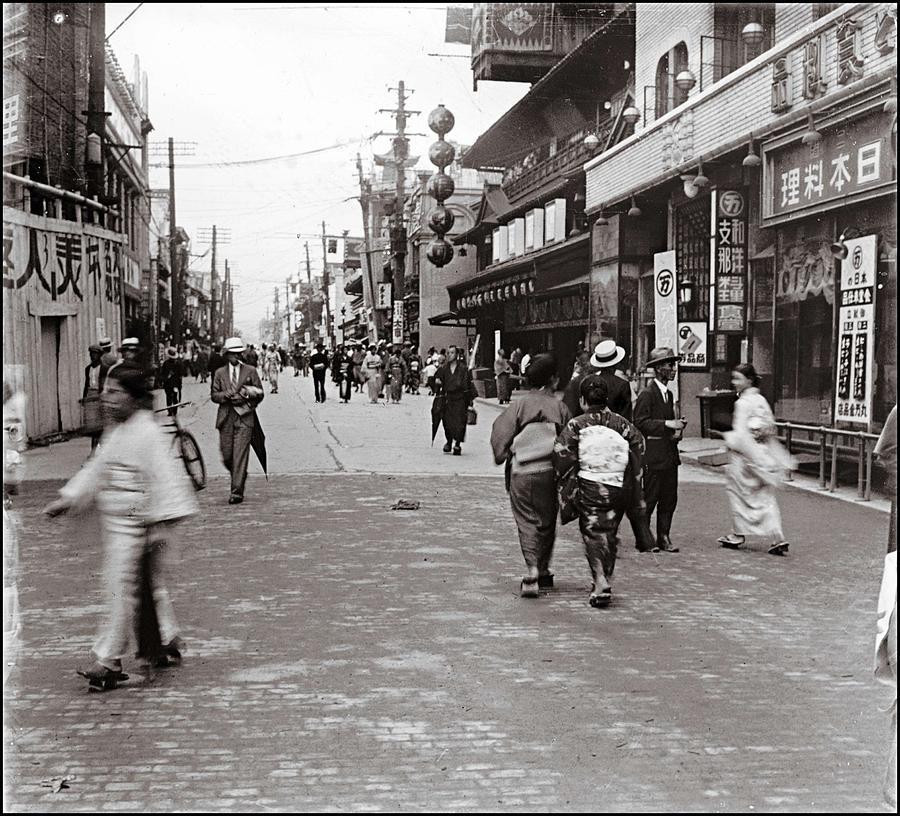 osaka-japan-1920-celestial-images.jpg