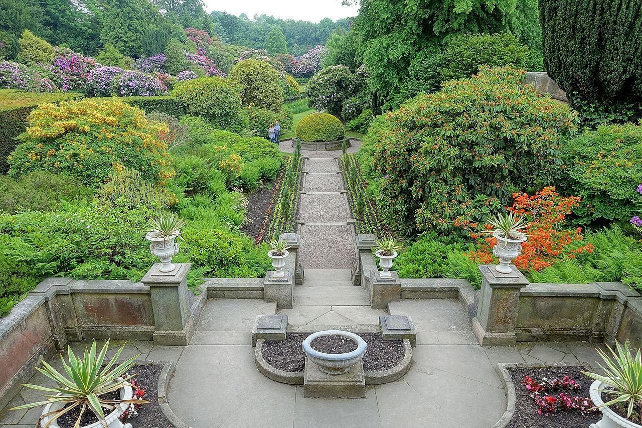 Overview_-_Biddulph_Grange_Garden_-_Staffordshire,_England_-_DSC09098.jpg