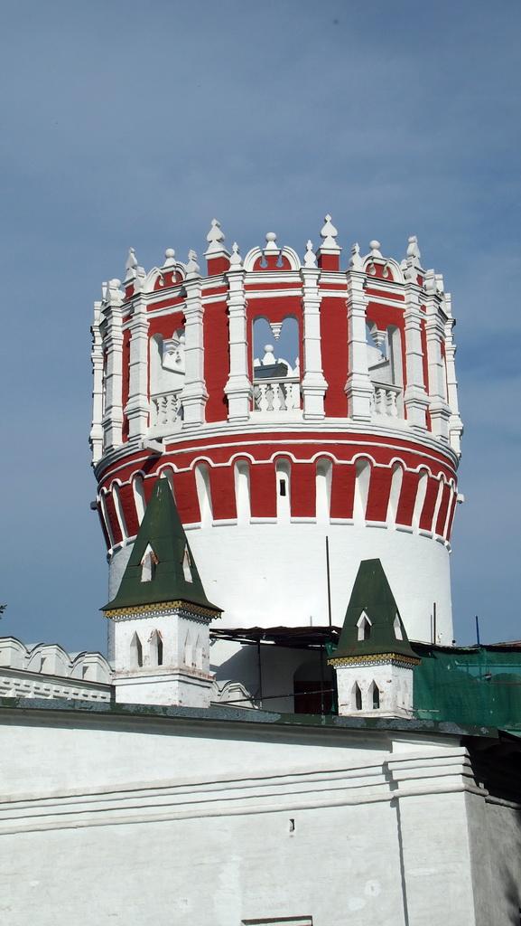 P0016982-2 Надпрудная башня и стрелецкая караульня.JPG