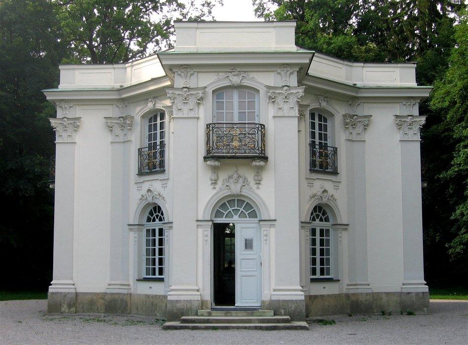 Pagodenburg_Nymphenburg-1.jpg