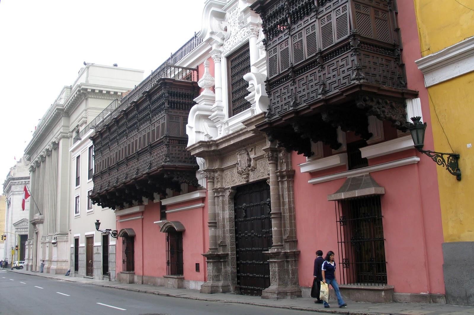 Palacio-de-Torre-Tagle-1735 лима.jpg