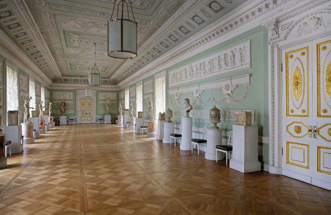pavlovsk-galleryr.jpg