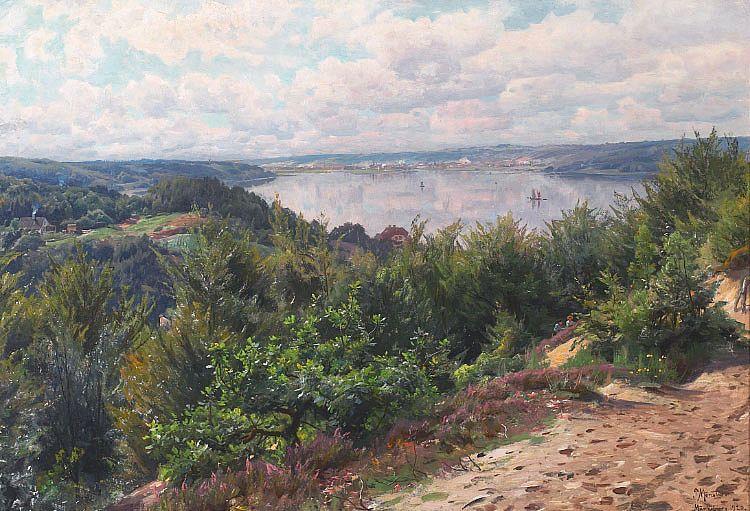 Peder_Mønsted_-_Sommerdag_ved_Munkebjerg_med_udsigt_over_Vejle_Fjord_-_1920.png