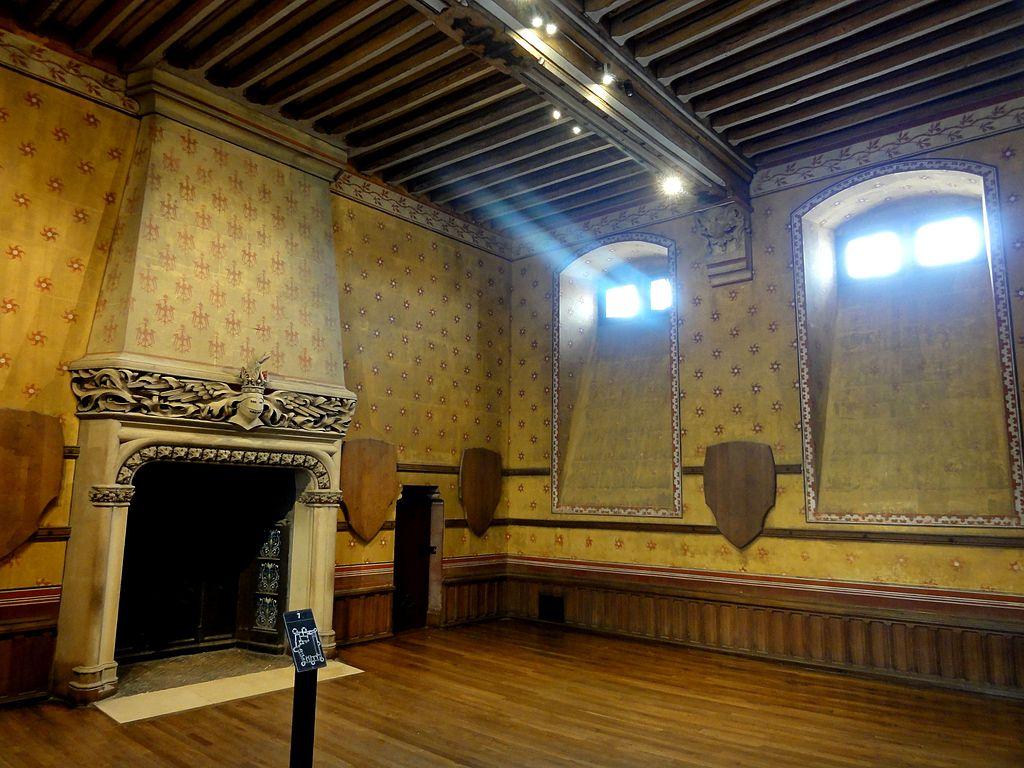 Pierrefonds_(60),_château,_salle_des_Chasses_3.jpg