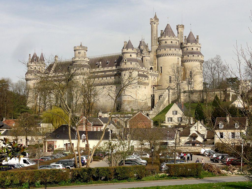 Pierrefonds_(60),_château,_vue_depuis_le_sud-ouest_4.jpg