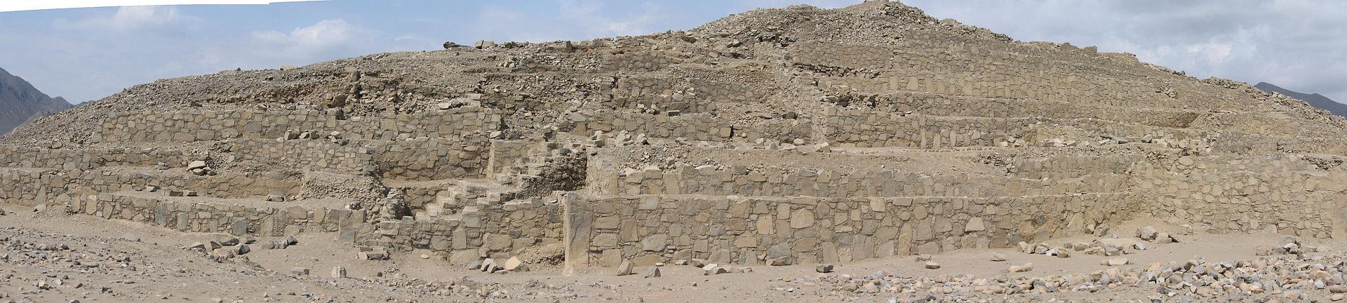 Piramide_de_Caral.jpg