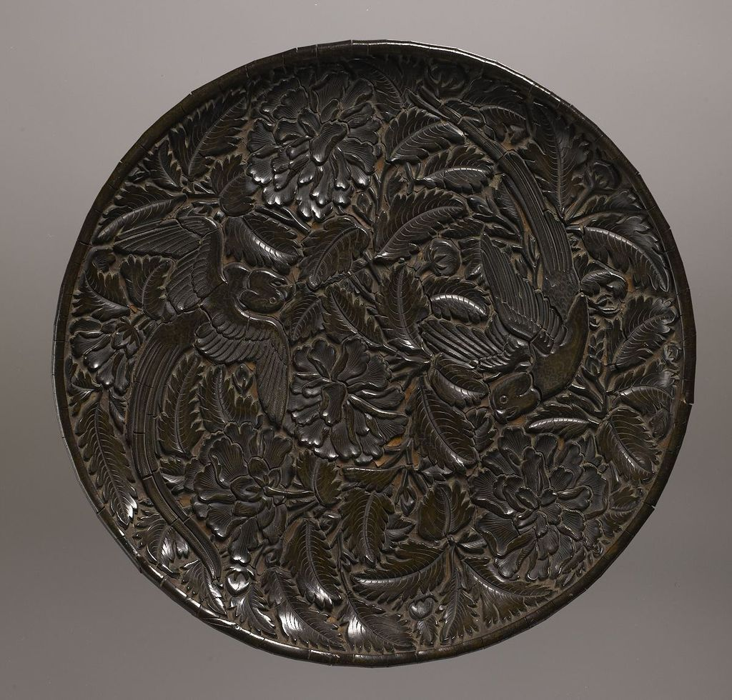 Plate;_Yuan_Dynasty;_Lacquer,_wood,_and_fabric.jpg