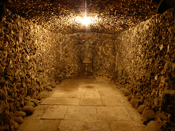 Pope's grottoPopes-Grotto-5-600.jpg