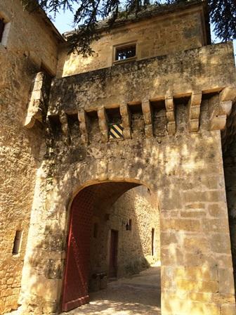 porte_chateau_de_fenelon.jpg