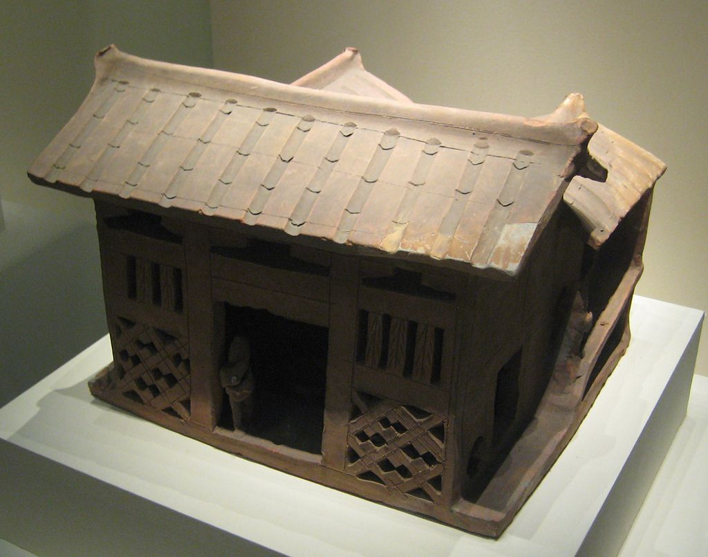 Pottery_three-sided_courtyard_house.jpg