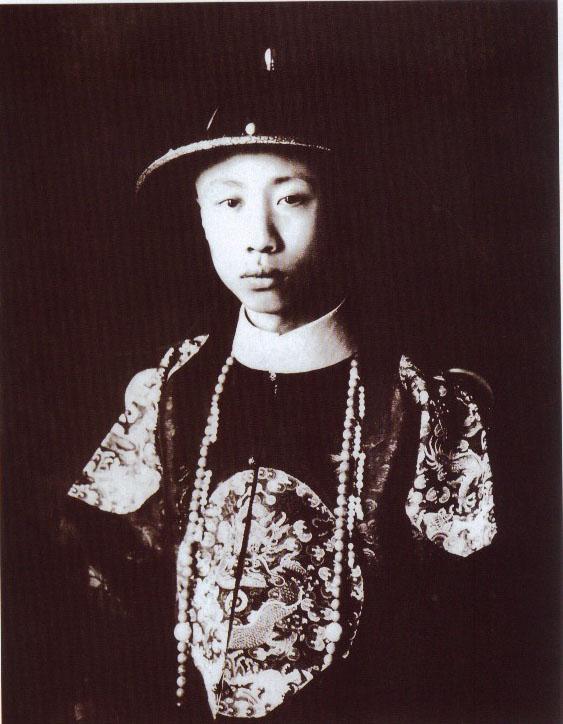 Puyi_(1922).jpg