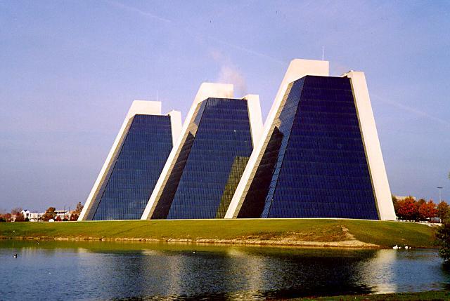 pyramids01.jpg