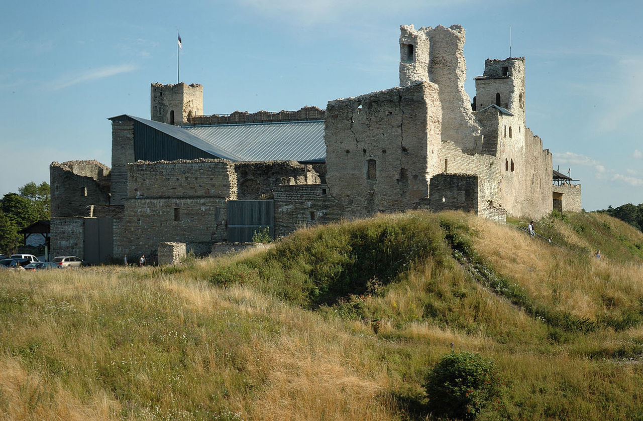 Rakvere-castle-estonia-cropped.jpg
