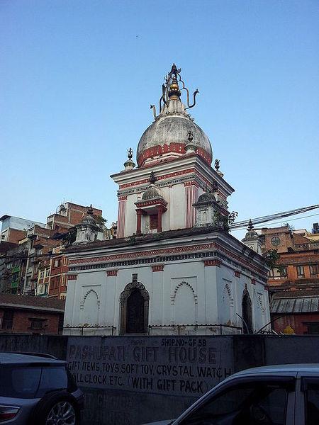 Rana-Mukteshowr_Temple_3.jpg