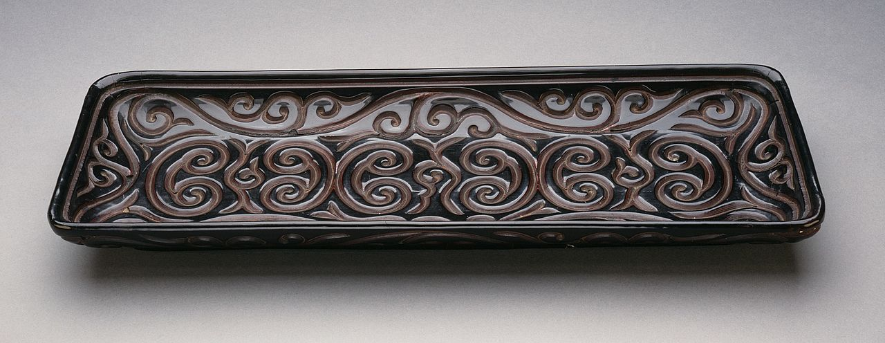 Rectangular_Tray_(Changfang_Pan)_with_Sword-Pommel_Pattern_LACMA_M.79.89.2.jpg
