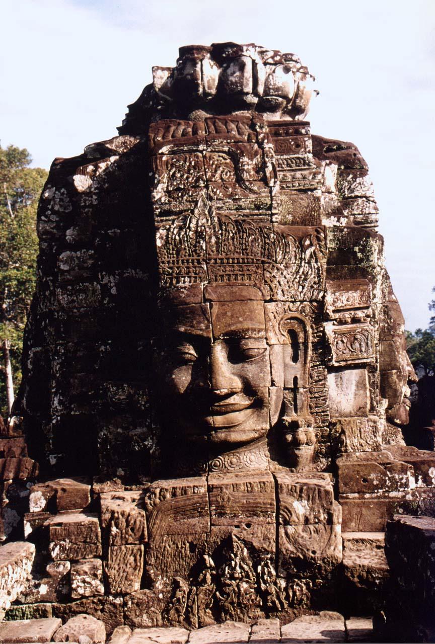 REP_Siem_Reap_Bayon_smiling_face.jpg