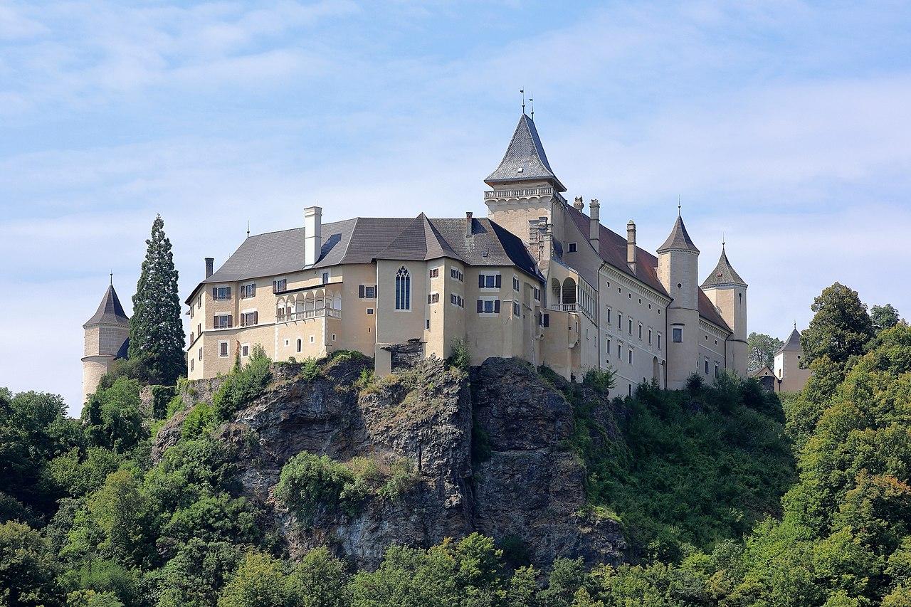 Rosenburg_-_Schloss_(1).JPG
