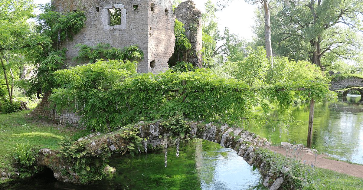 ruderi-giardino-di-ninfa.png
