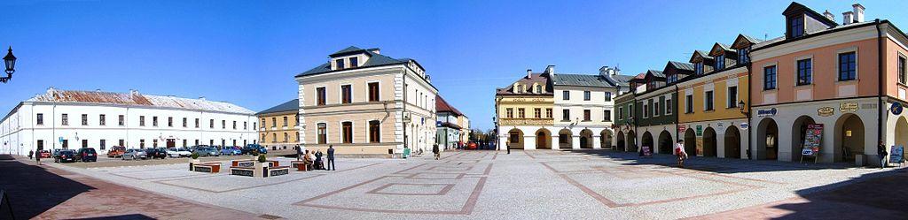 Rynek_Solny_Zamosc_panorama.jpg