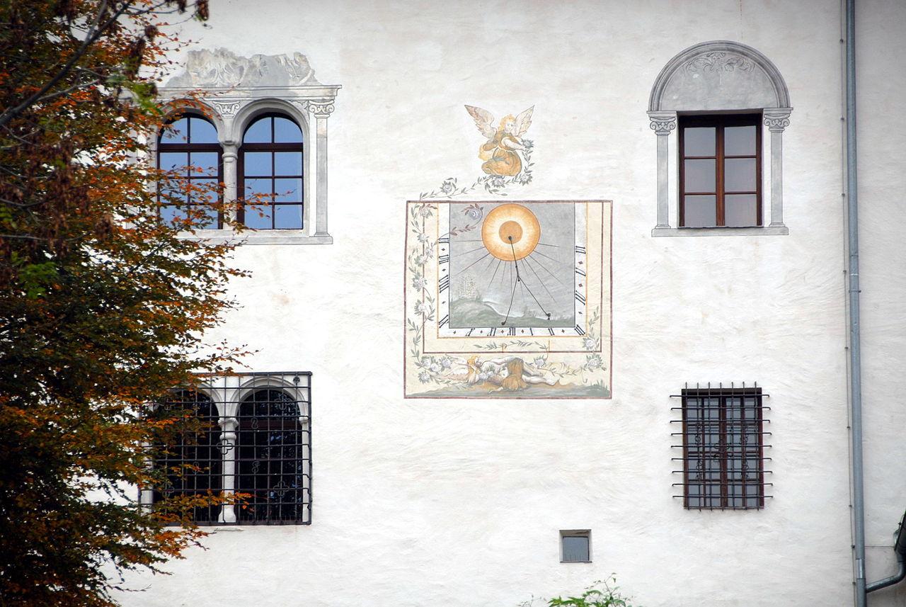 Sankt_Urban_Schloss_Bach_Sued-Detailansicht_14102006_02.jpg
