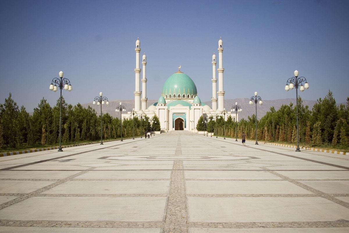 Saparmurad Hajji Mosque in Ashgabat - Turkmenistan.jpg