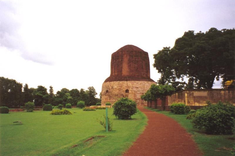 Sarnath1 варанаси 6 в. месо первой проповеди.jpg