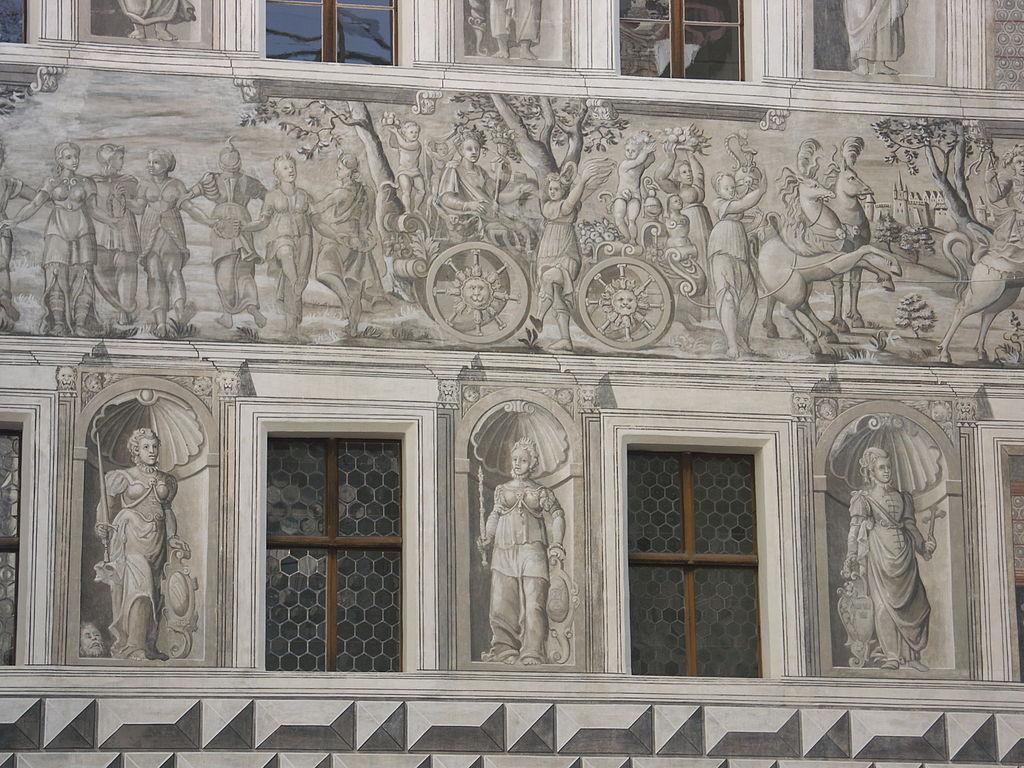 Schloss_Ambras._Inner_Yard_-_011.jpg