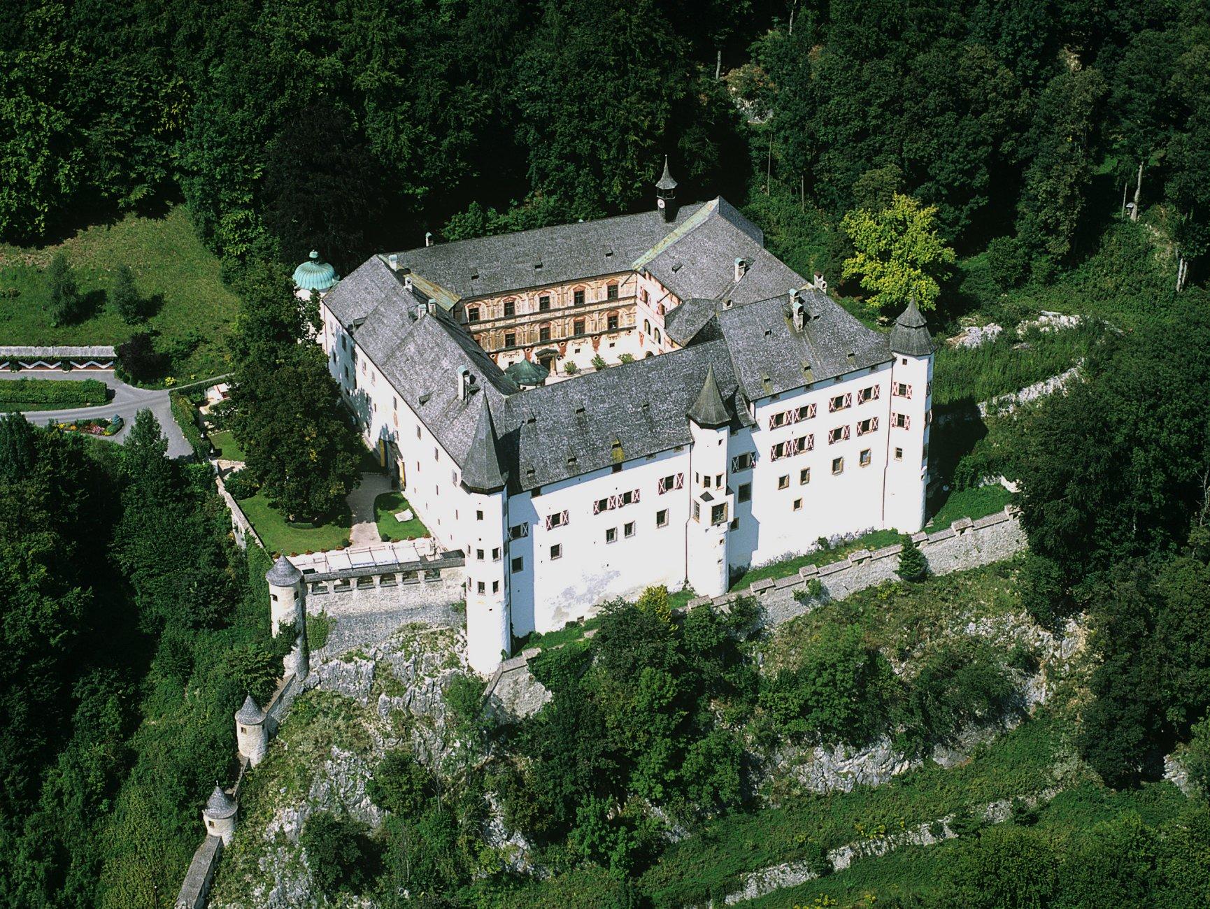 Schloss_Tratzberg.jpg
