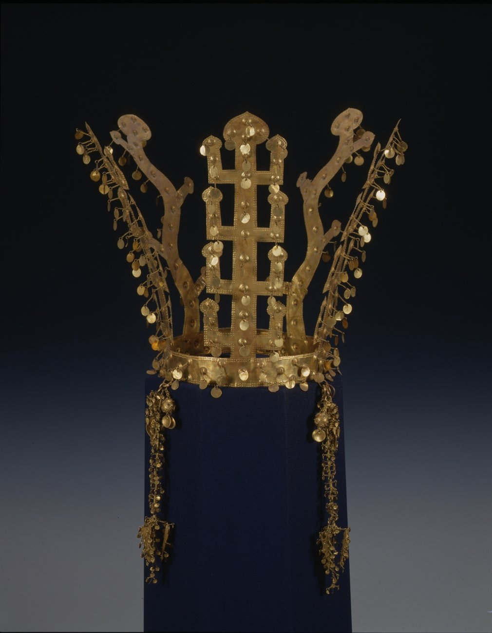 Silla_gold_crown.jpg