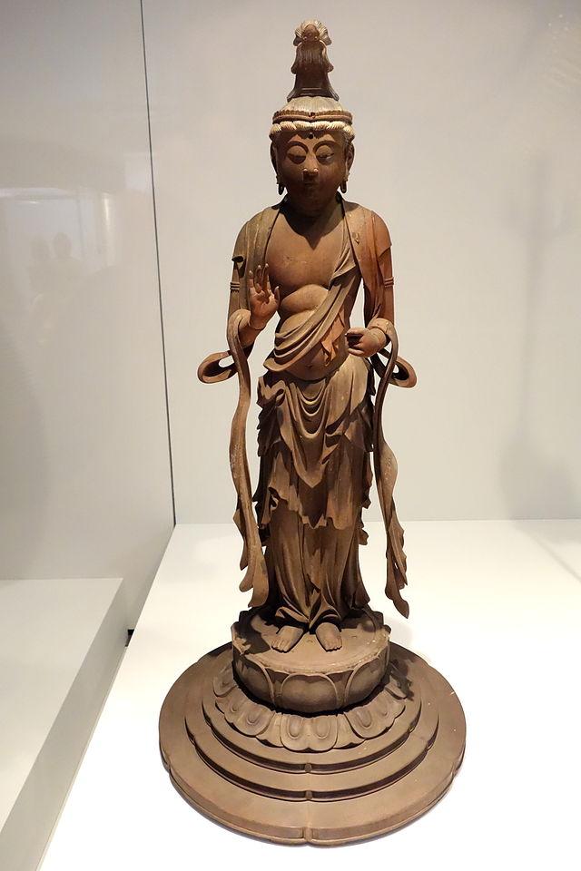 Standing_Kannon_Bosatsu_(Avalokitesvara),_Kamakura_period,_13th_century,.JPG