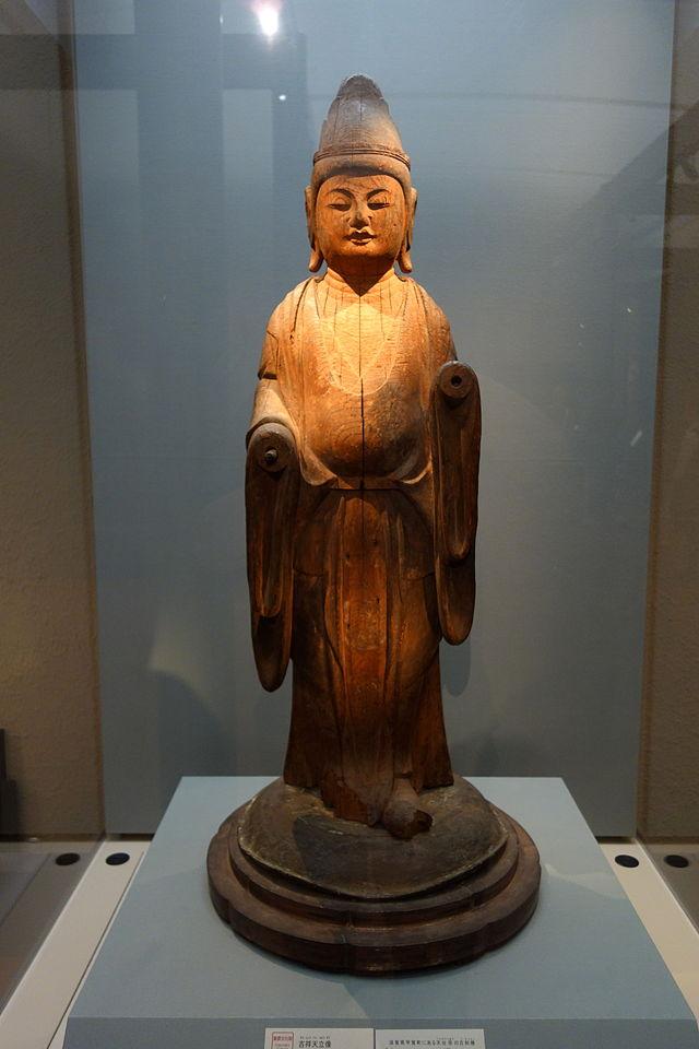Standing_Kichijo-ten_(Mahasri),_Heian_period,_10th_.JPG