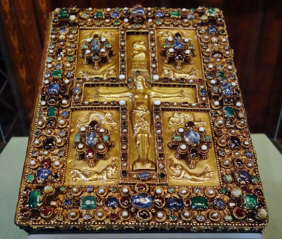 Switzerland_Abbey_of_St._Gall._Lindau_Gospels_ca._88.jpg